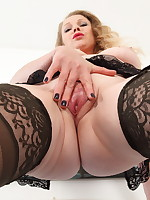 Hot MILF Abigail Toyne strips and getting wet
