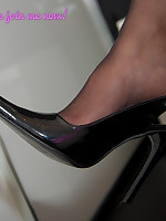 Jess-Legs.net - Black Slingbacks